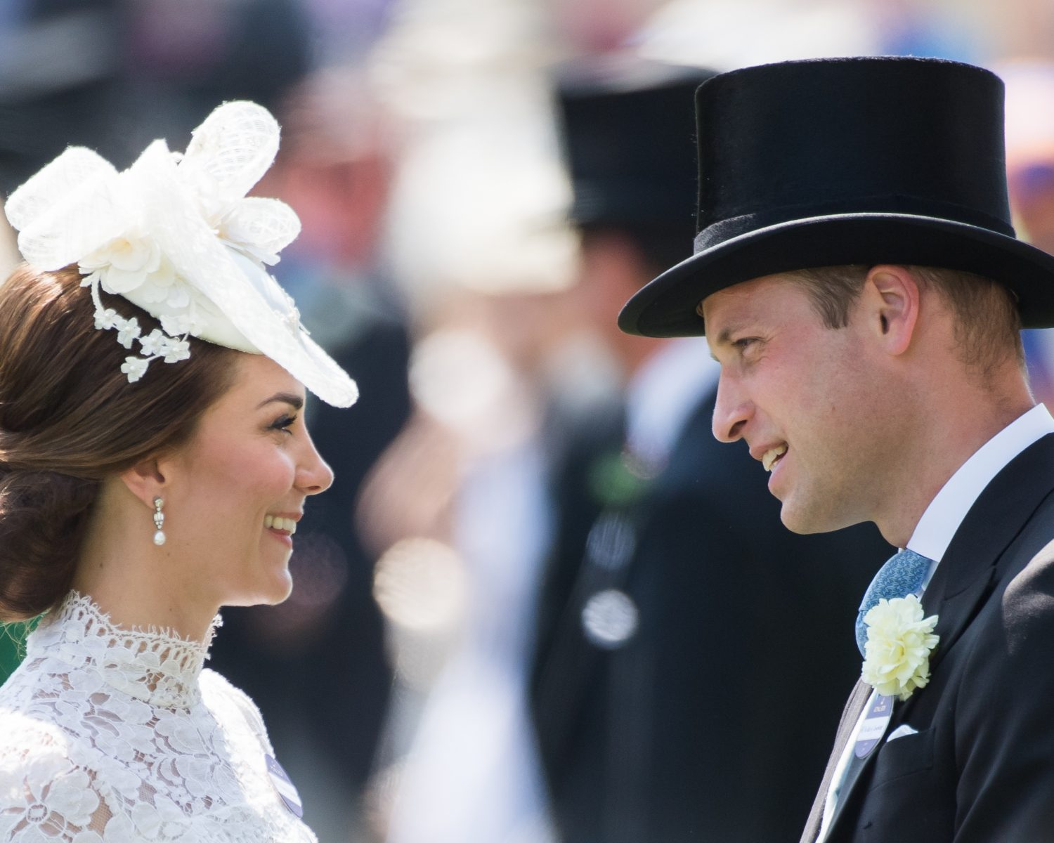 Kate Middleton\'s Royal Ascot Dress Resembles Her Wedding Gown