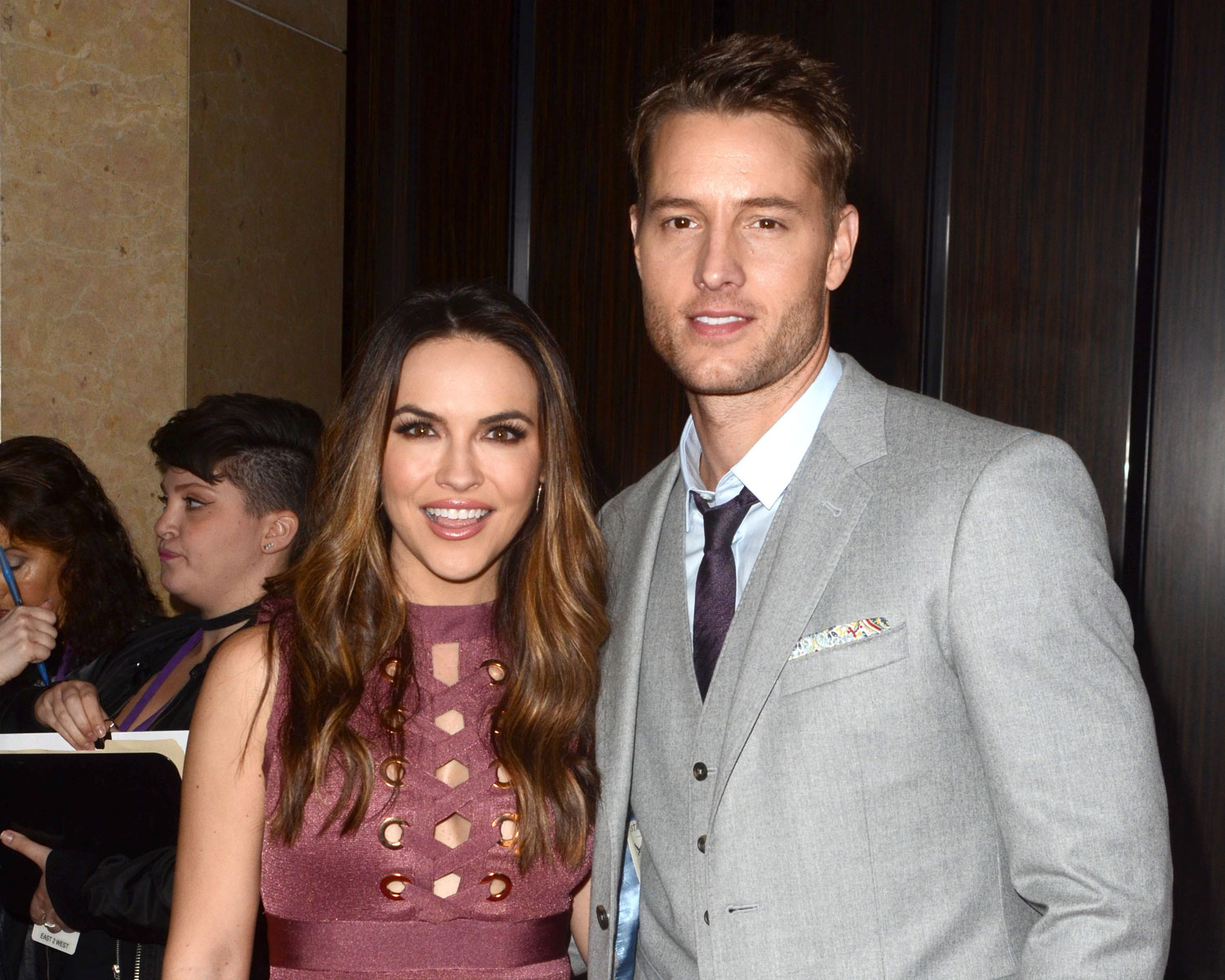 Justin Hartley marred his fiancee Chrishell Stause on Saturday, October 28