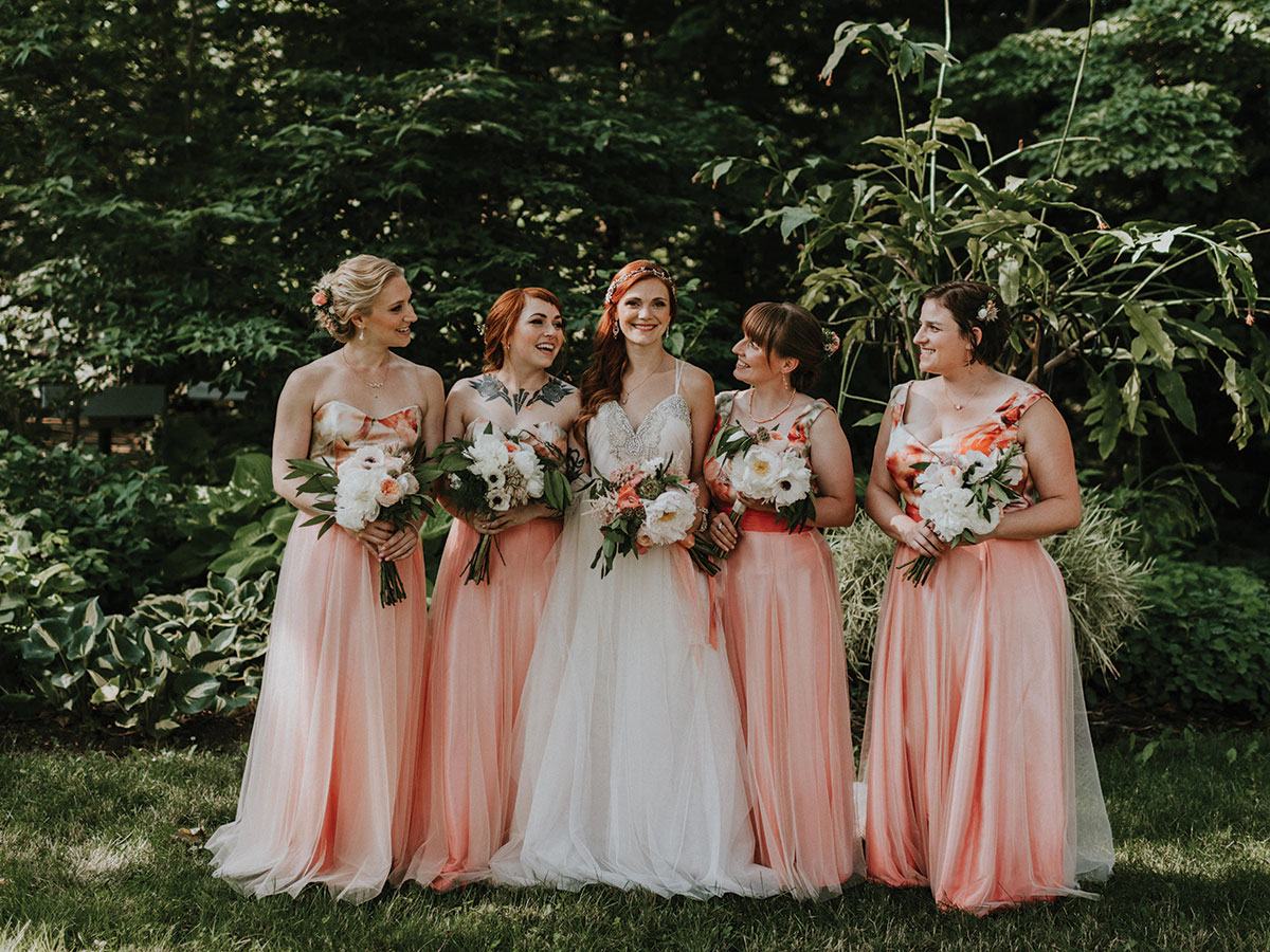 Bride Lindsey Vandevier included her 100-year-old grandmother in her wedding, along with four bridesmaids. (Credit: Mallory + Justin)