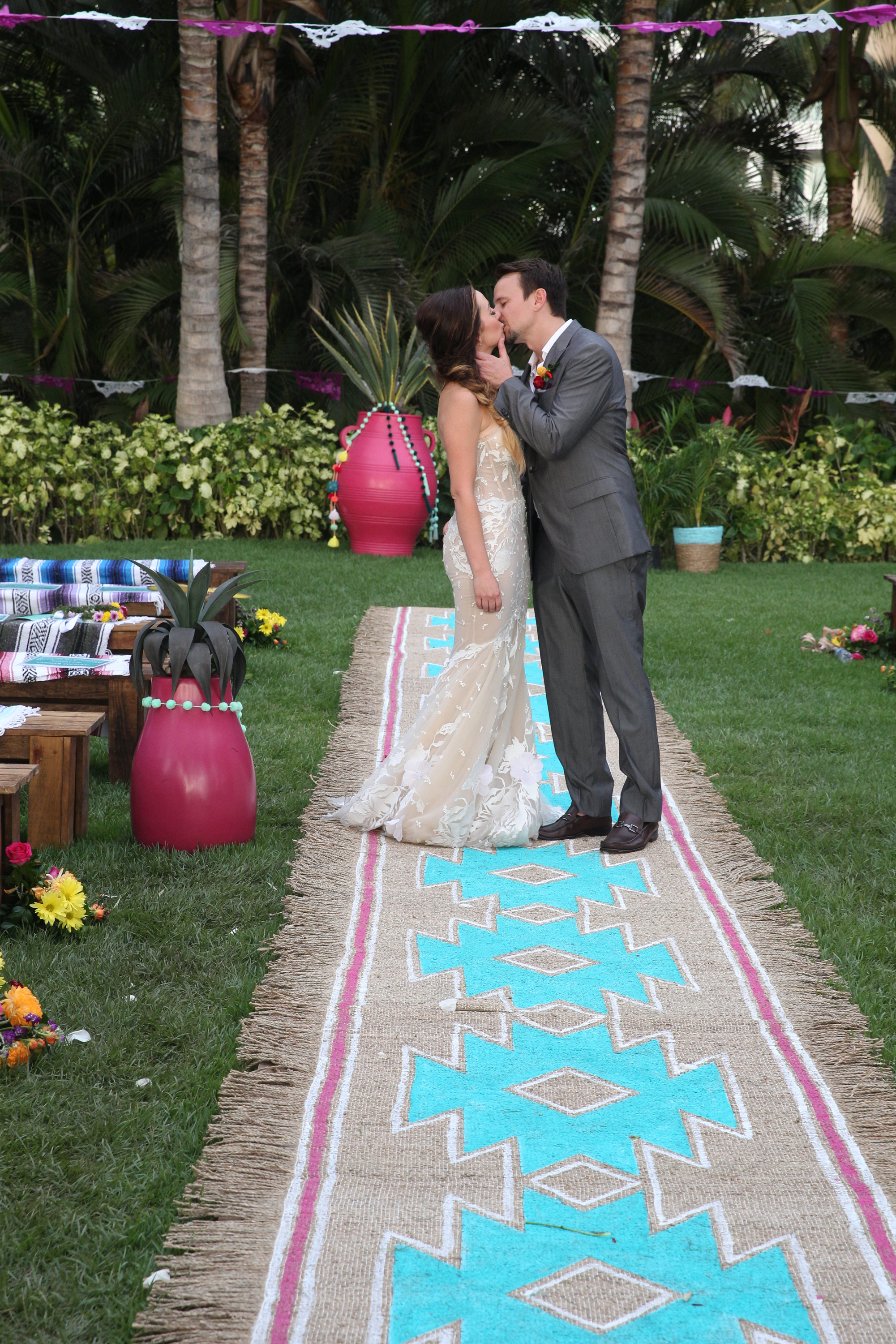 """BACHELOR IN PARADISE - """"Episode 401b"""" - In the next episode that airs TUESDAY, AUGUST 15 (8:00-10:01 p.m. EDT), Carly and Evan exchange marriage vows in Paradise before an assemblage of their family and friends, including many of our Bachelor favorites. (ABC/Paul Hebert) CARLY WADDELL, EVAN BASS"""