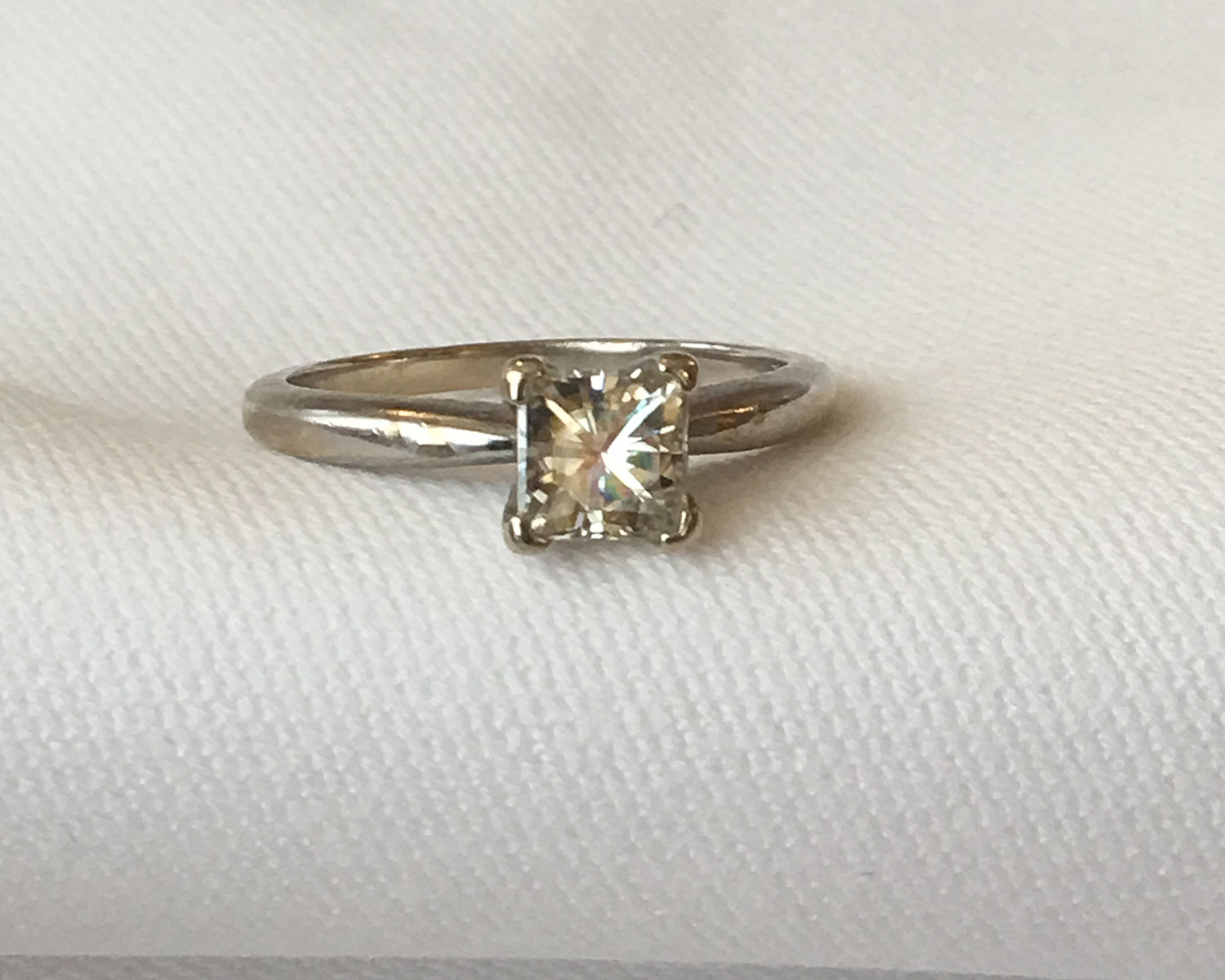 engagement ring couple