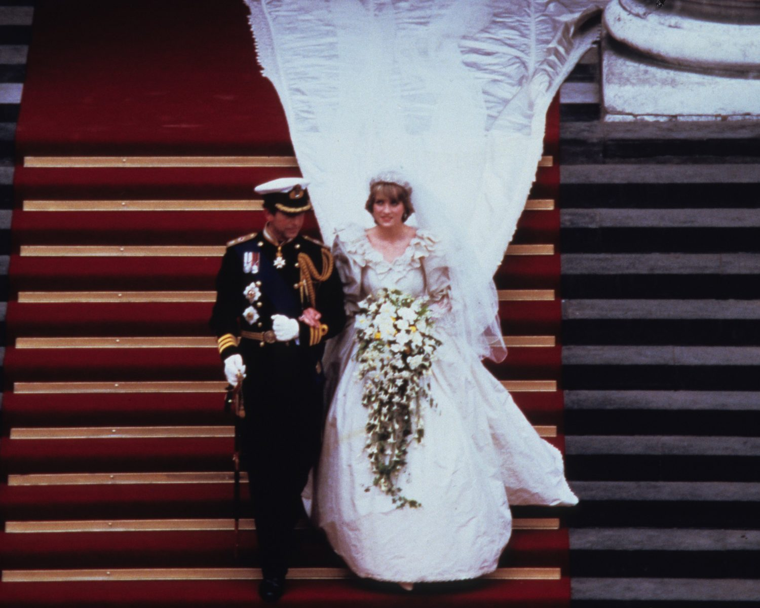 Princess Diana S Wedding Dress Designer Reveals New Gown Facts