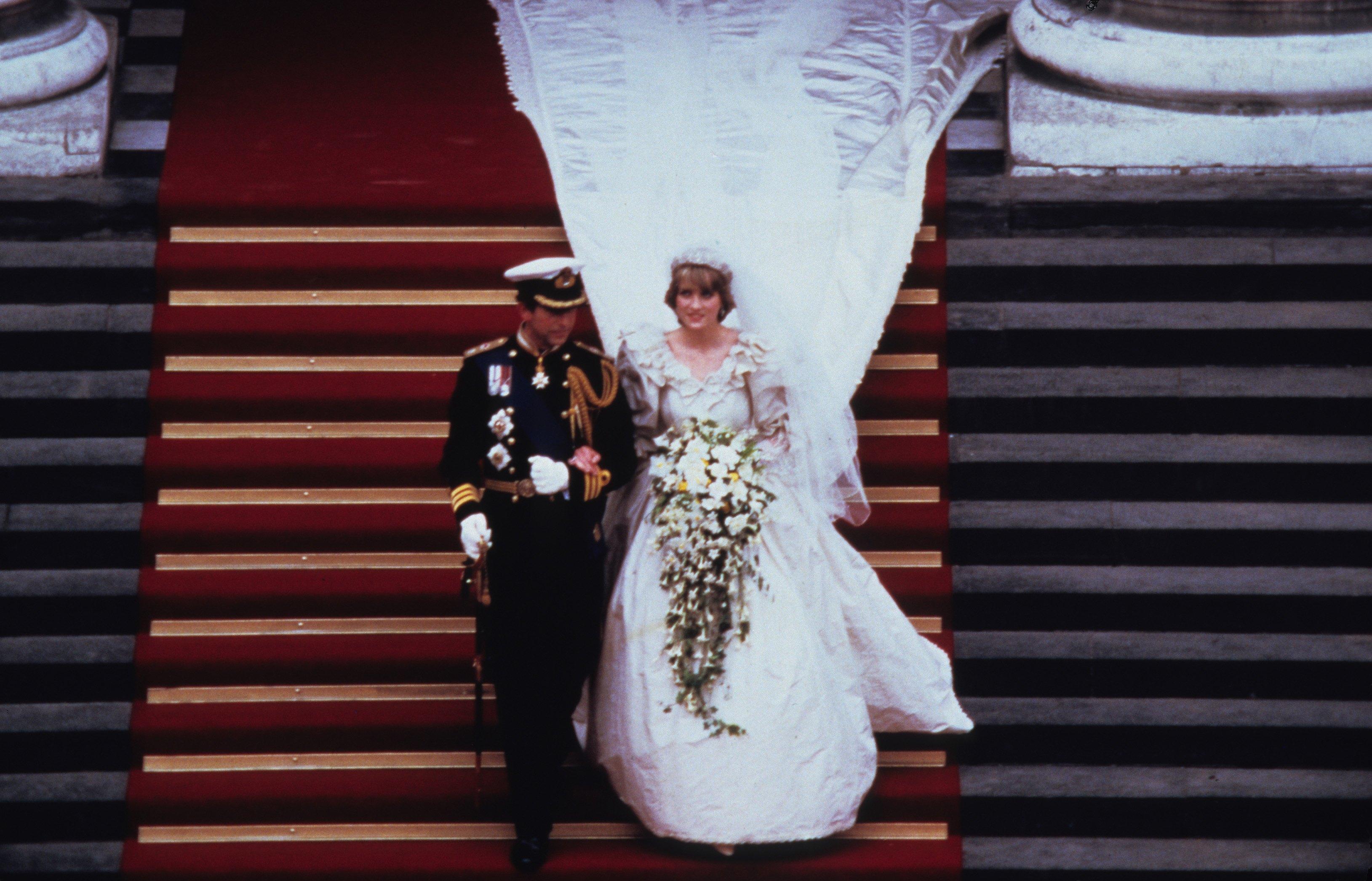 Princess Diana S Wedding Dress Designer Reveals New Gown Facts