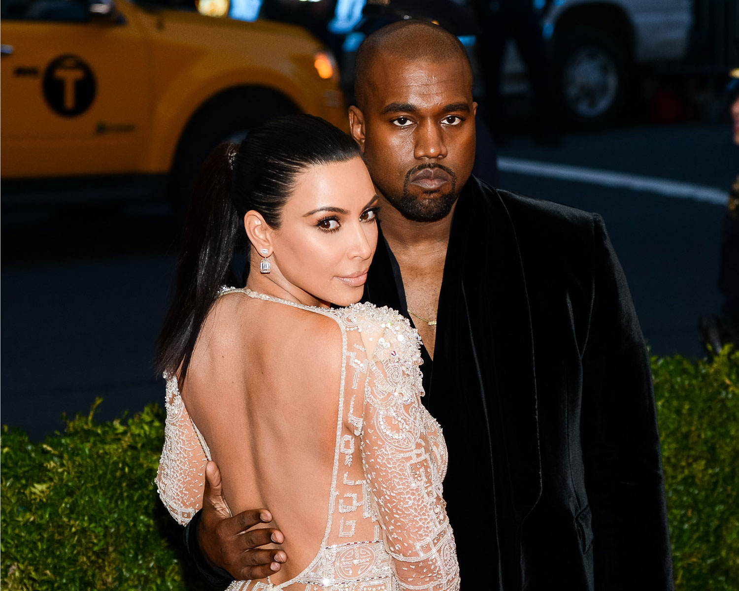 kim kardashian says kanye knew she wanted an oncamera