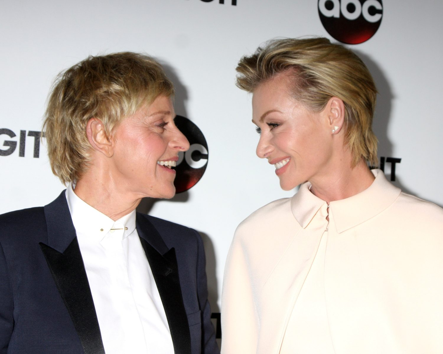 Ellen Degeneres Portia De Rossi Mark 9 Year Wedding
