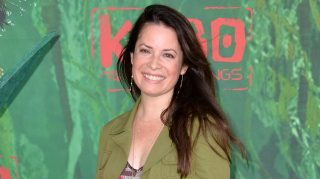 Charmed engaged holly marie combs