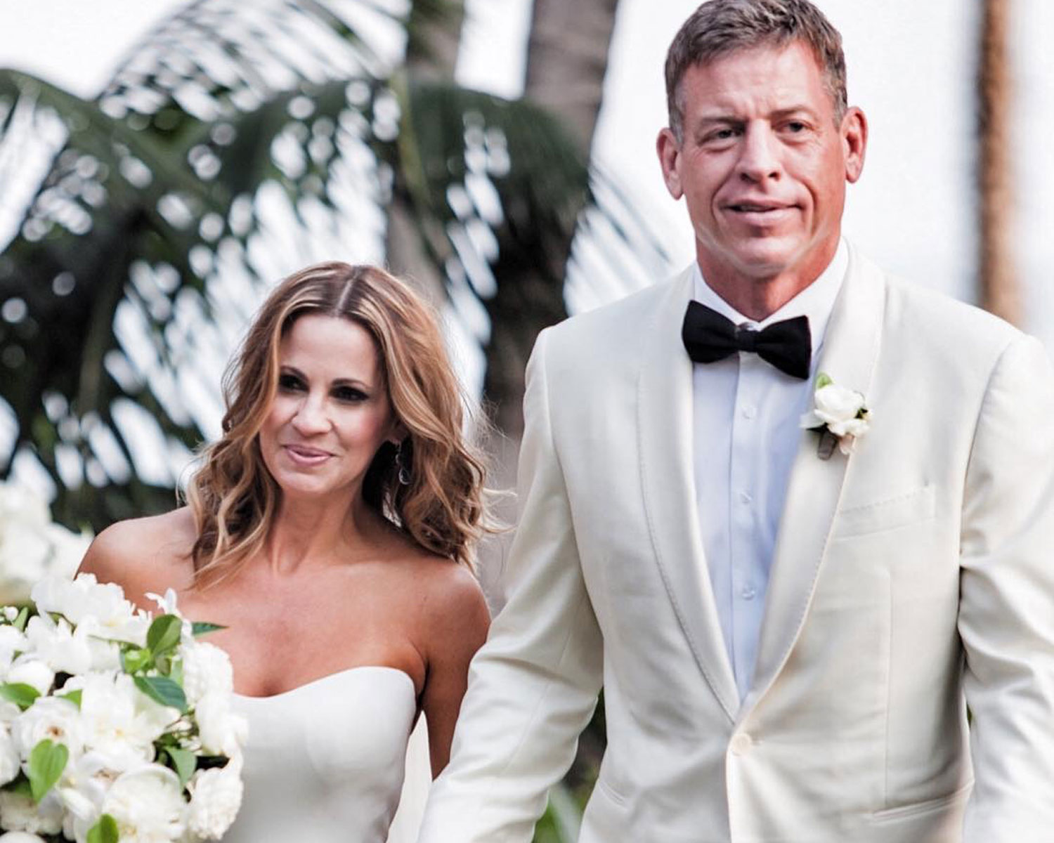 Troy Aikman Marries Love Of His Life In Intimate Beach Wedding