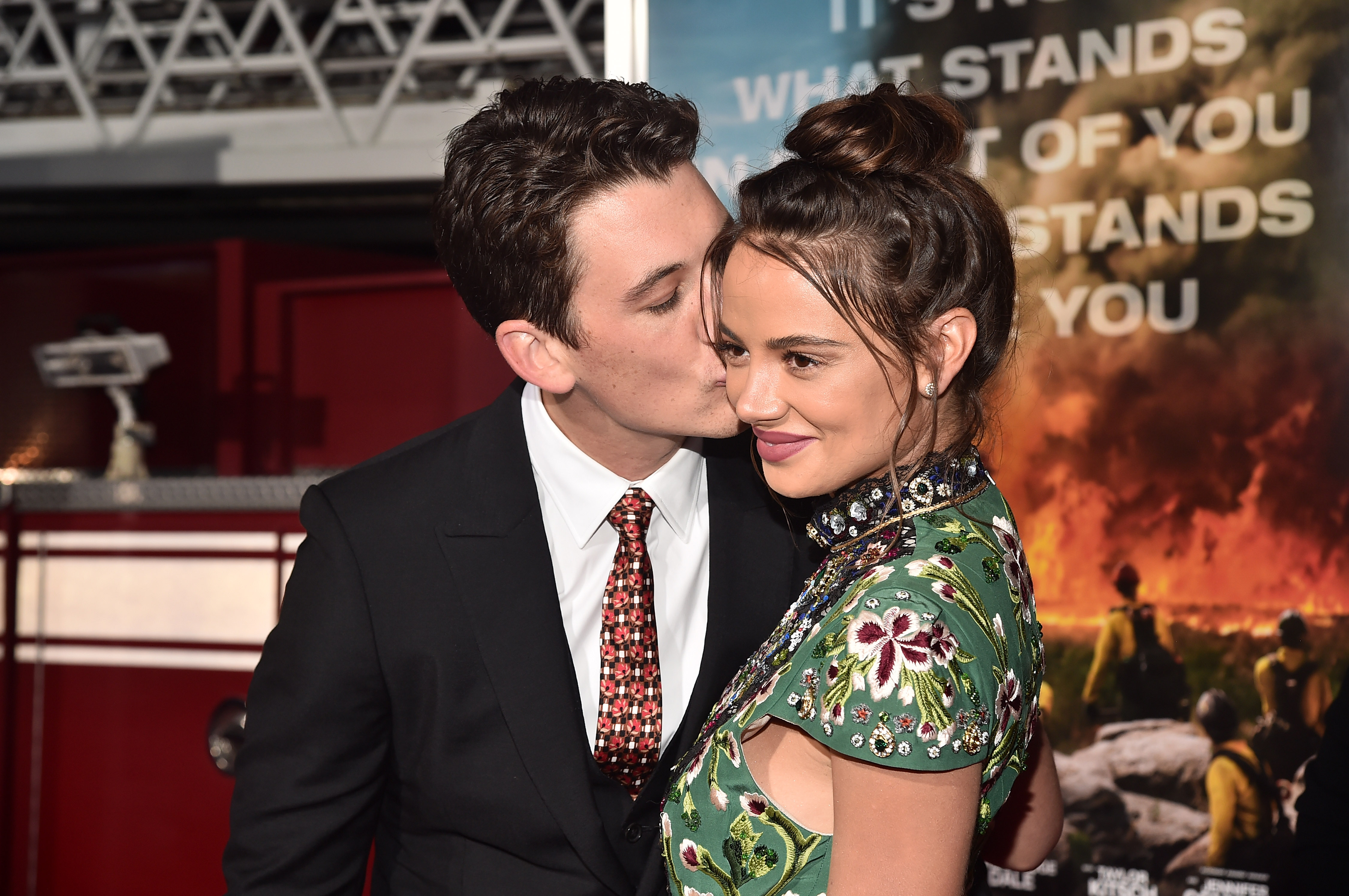 Miles Teller And Fianc 233 E Keleigh Sperry Show Pda Post