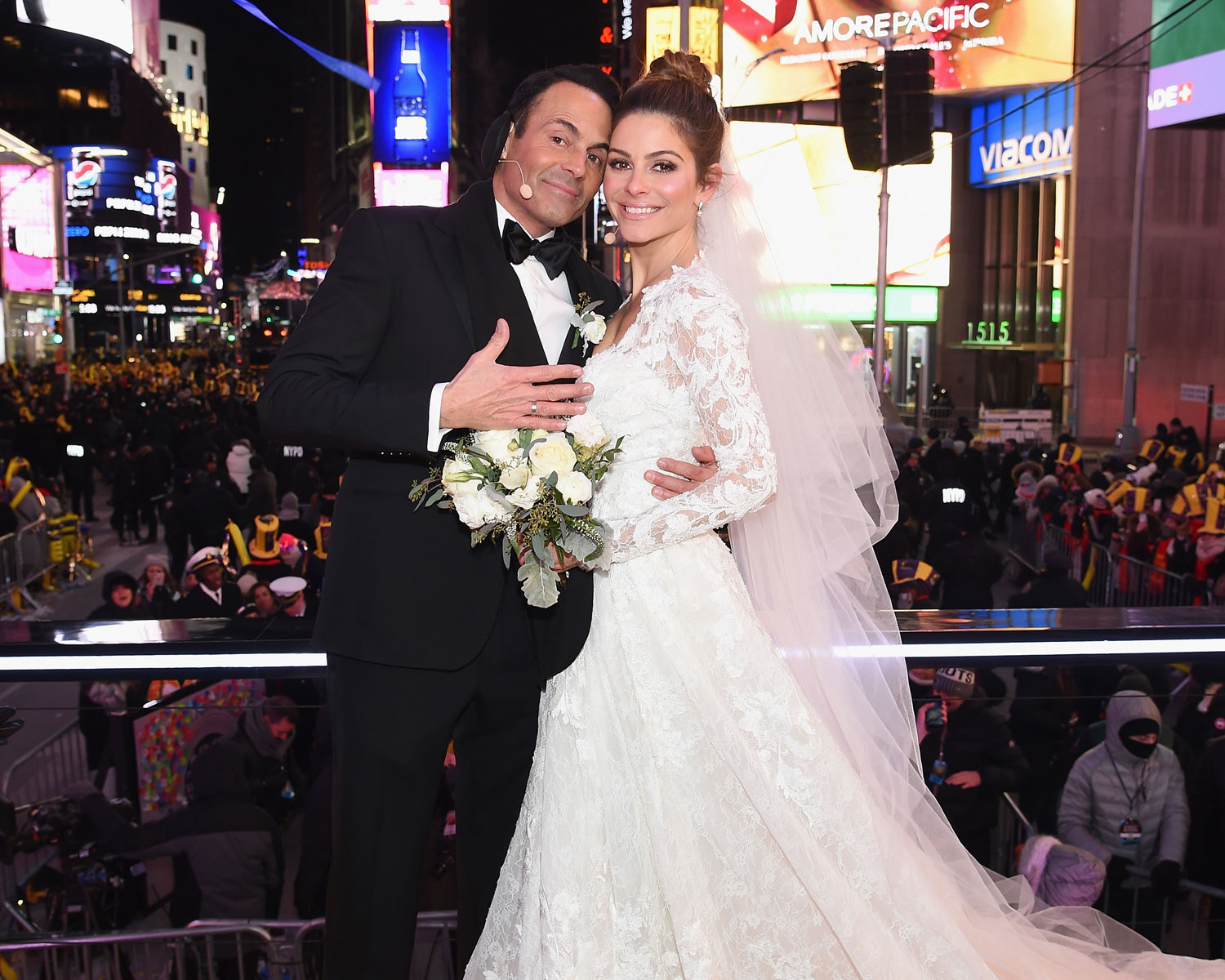 All About Maria Menounos New Years Eve Wedding on Live TV!