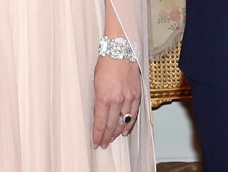 kate middleton wore her wedding dress designer for black