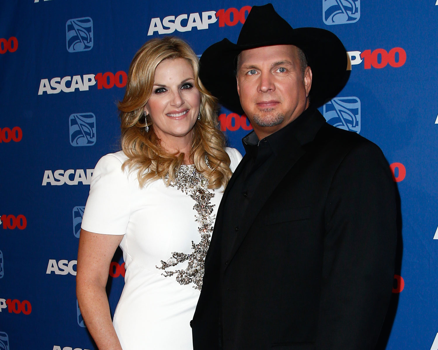 Garth brooks invites honeymooning couple to home cooked dinner for Is garth brooks and trisha yearwood still married