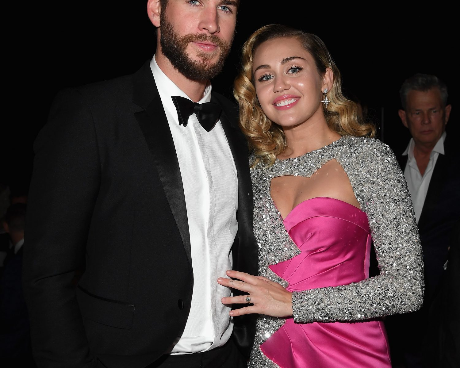 Miley Cyrus Wedding Dress.Miley Cyrus Confirms Her Marriage To Liam Hemsworth See The First