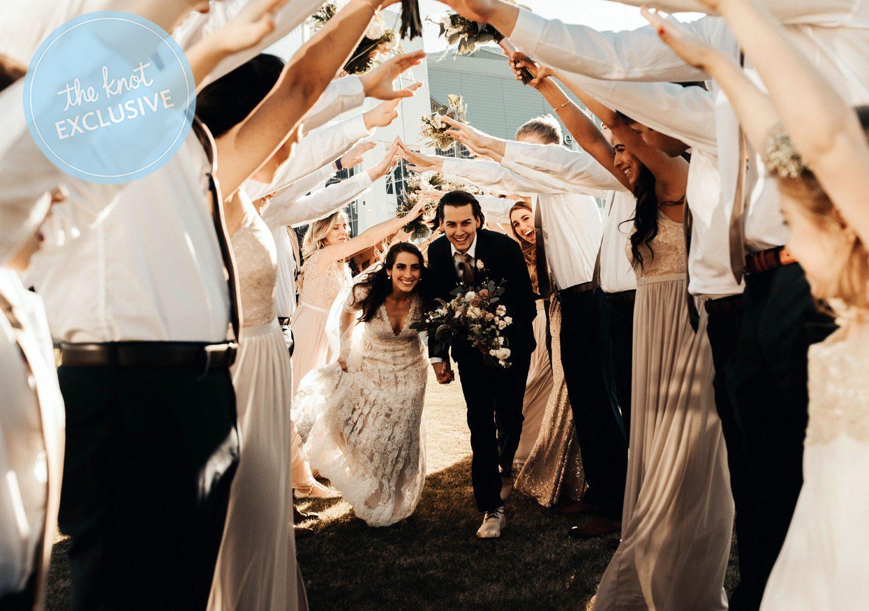 Atlanta Hawks tinder night couple wedding