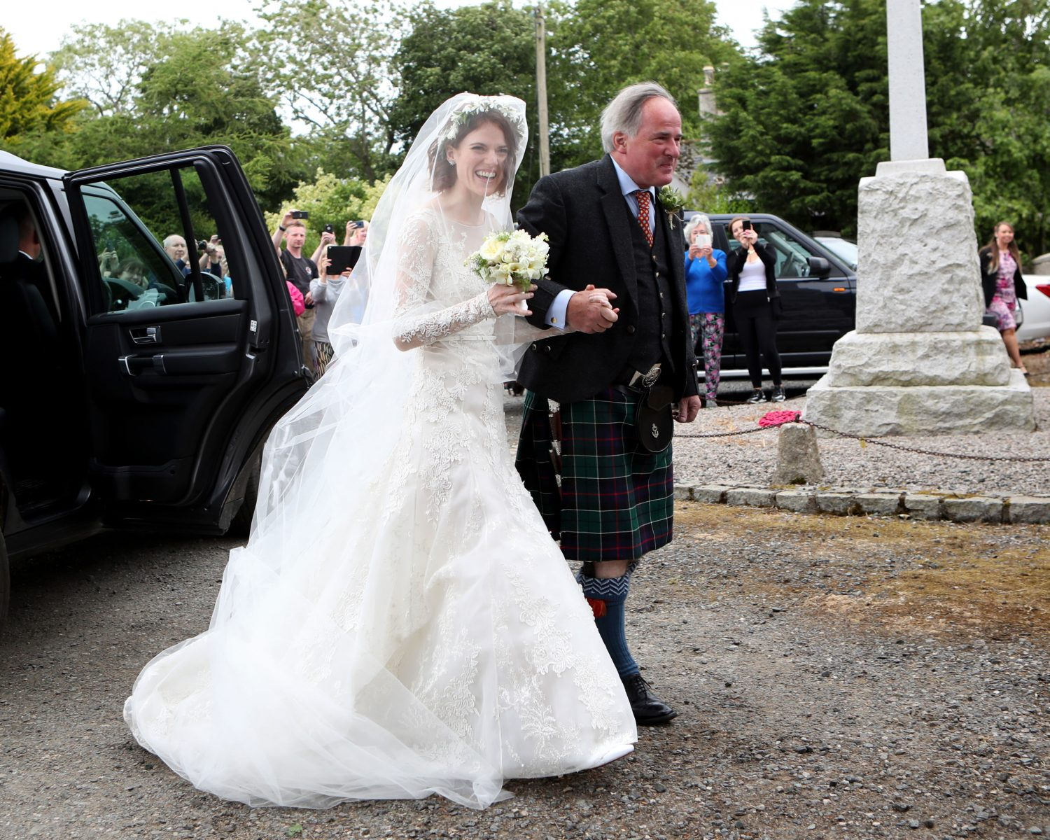 Game of Thrones' Rose Leslie Wears Lace Wedding Dress as She