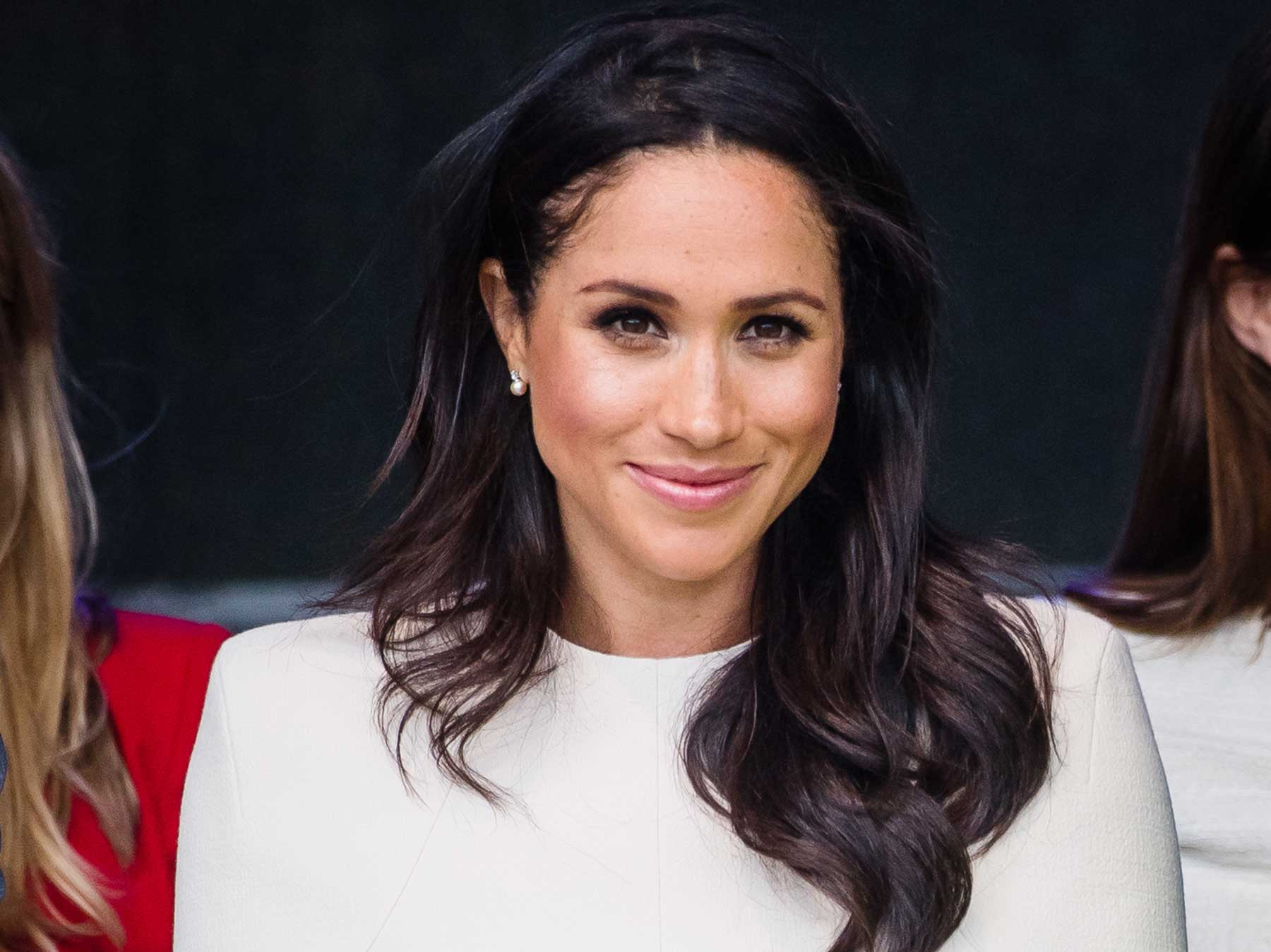 meghan markle stacked her wedding band and engagement ring