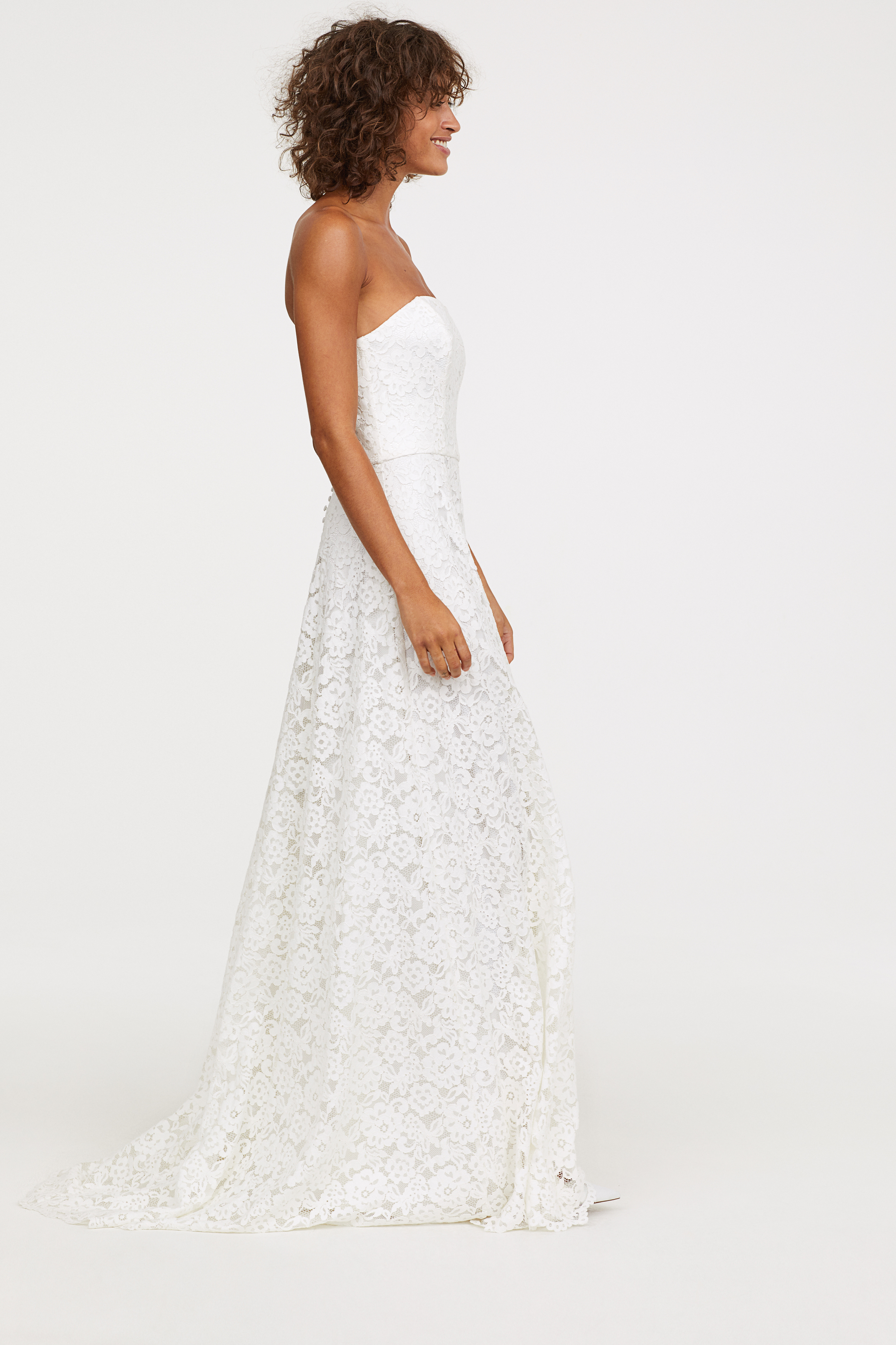 317729fc64a H M Adds Royal-Inspired Pieces to Its Bridal Shop—And Everything Is ...