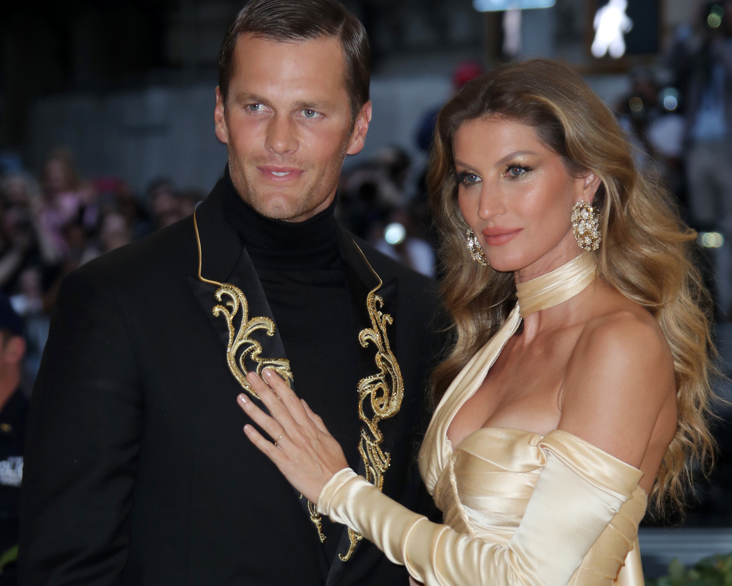 gisele tom met ball