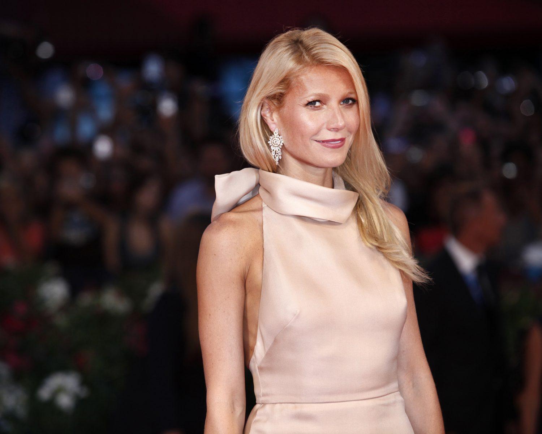 Gwyneth Paltrow Wore a Valentino Wedding Dress: See the ...