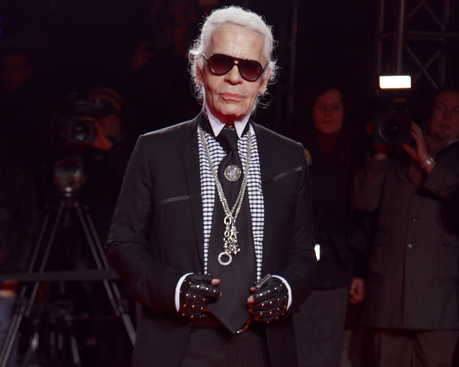 Karl Lagerfeld Dies: See the Chanel Haute Couture Wedding Dresses He Designed