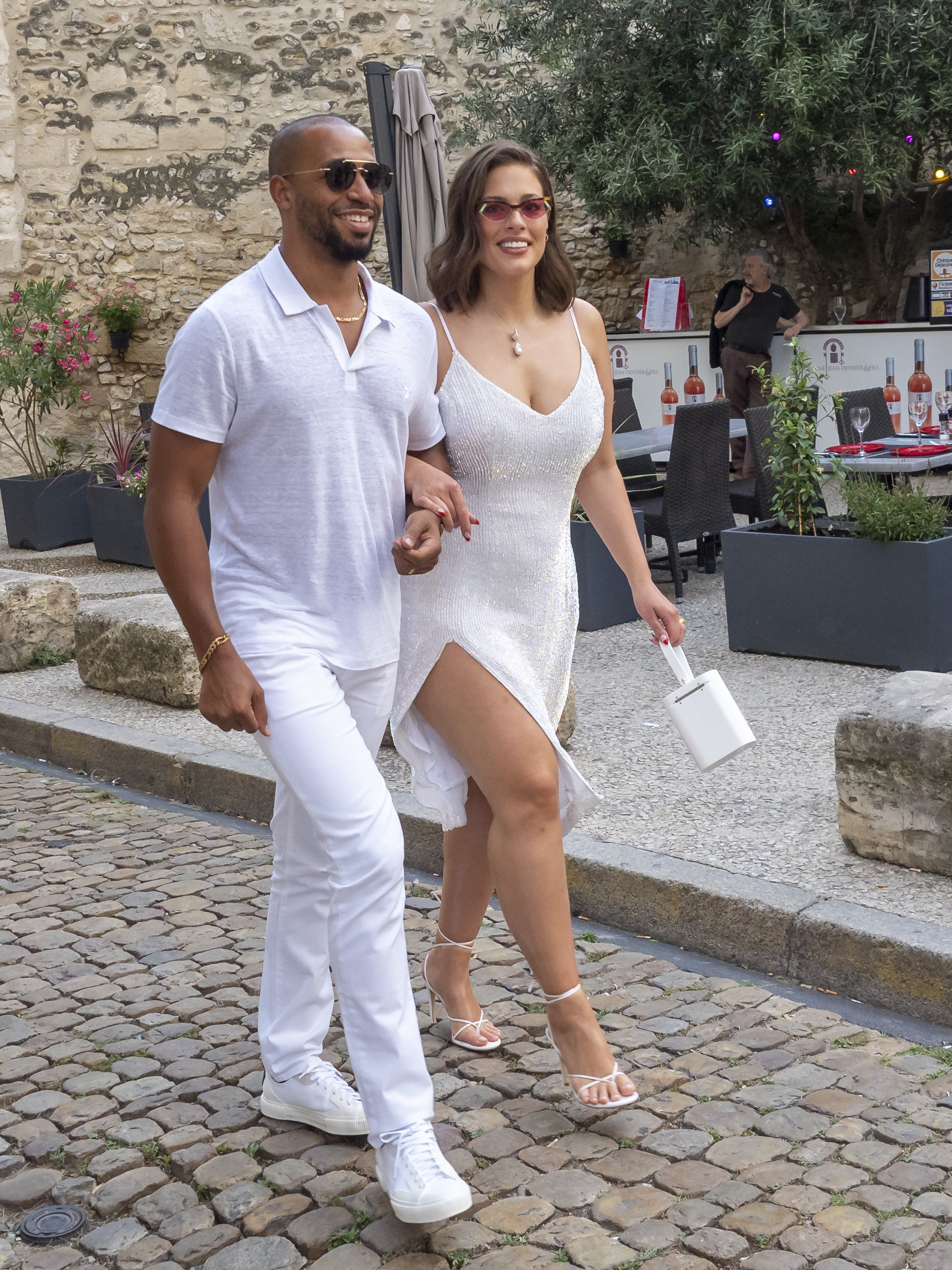 Ashley Graham Wedding.Joe Jonas And Sophie Turner S Wedding In France Just Happened