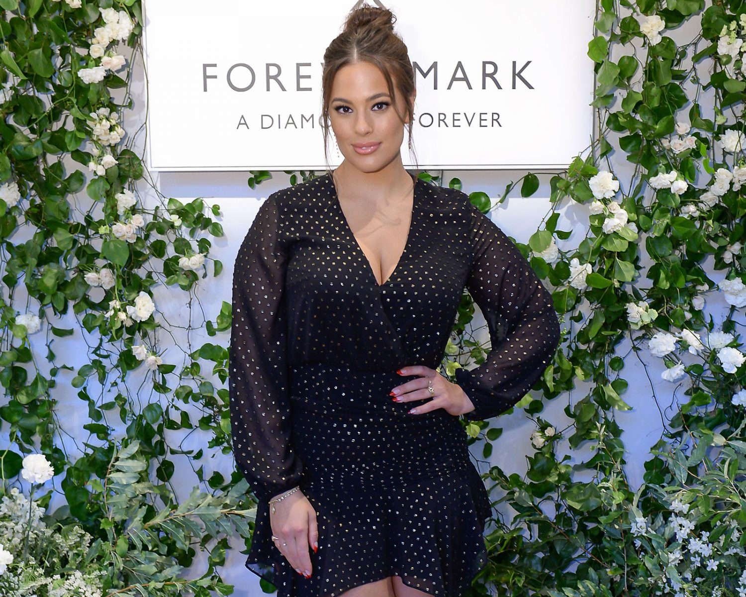 Ashley Graham Wedding.How Ashley Graham S Husband Proposed And Designed Her Ring