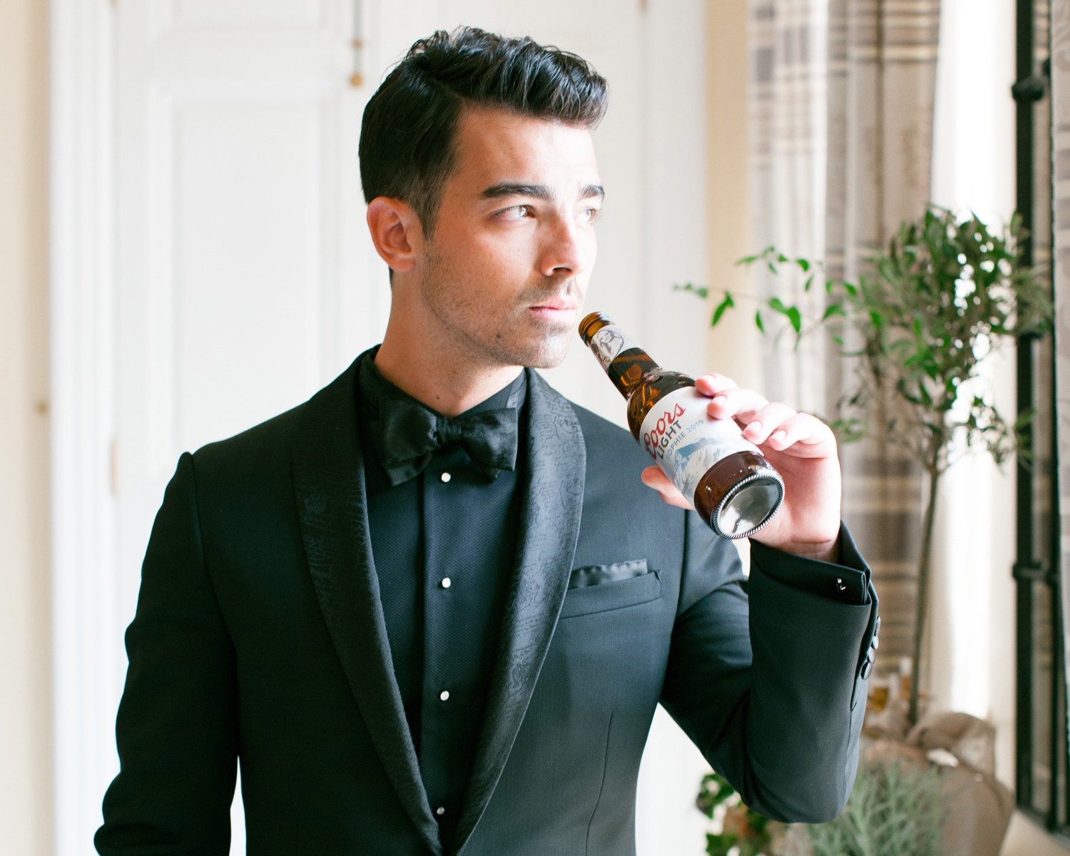 Joe jonas coors light bottle custom wedding to sophie turner
