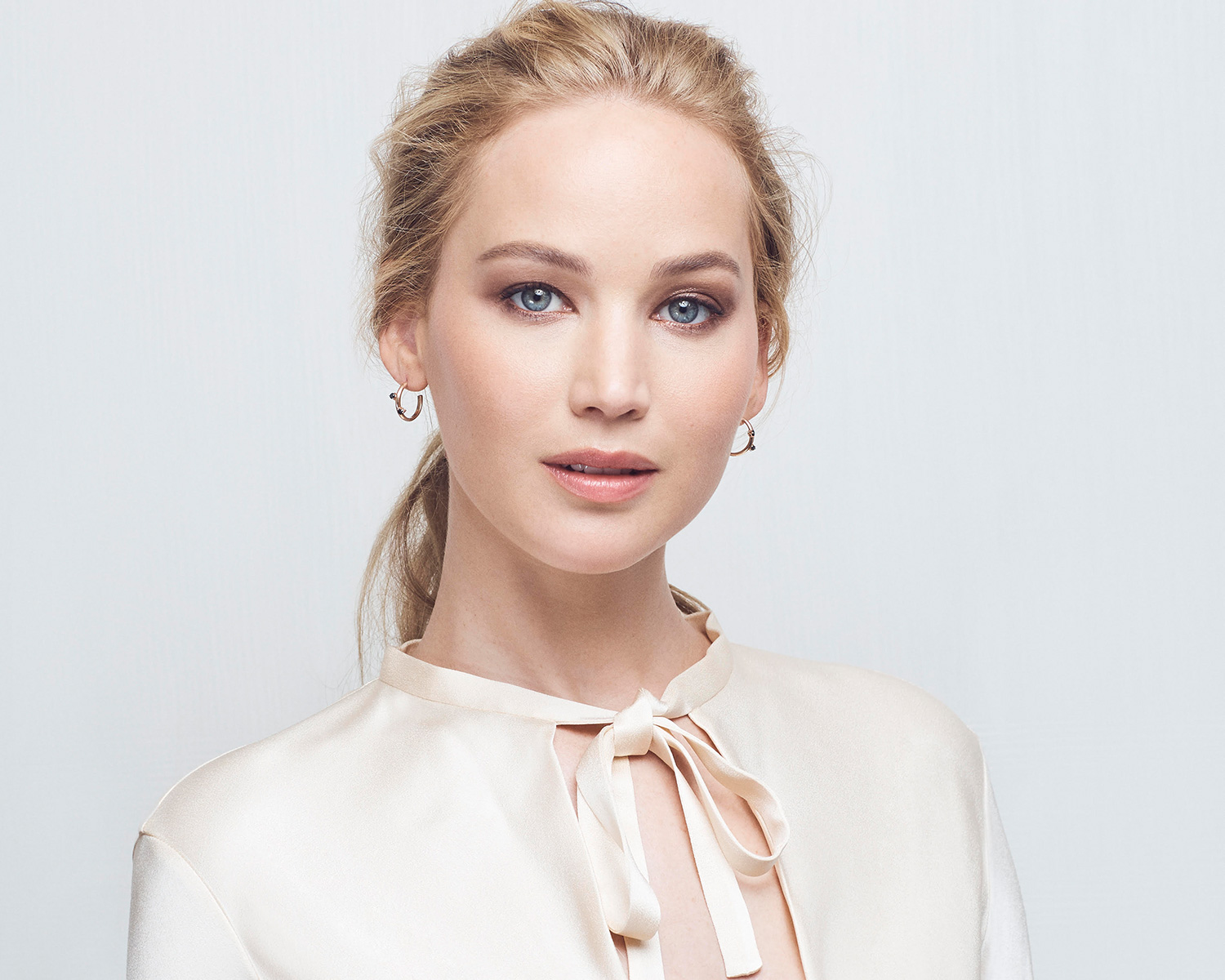 jennifer lawrence amazon registry wedding