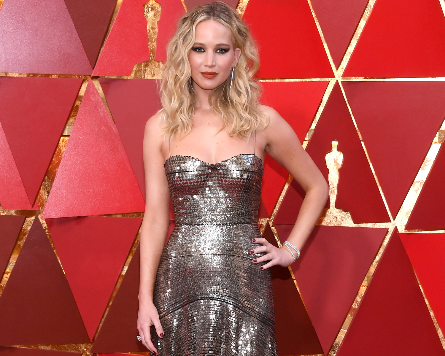 Jennifer Lawrence Marries Cooke Maroney in New England Wedding: Details